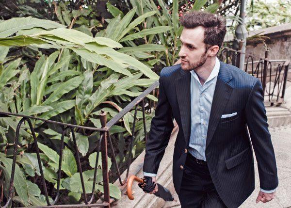 Lifestyle Photo Man Suit Umbrella 600x429
