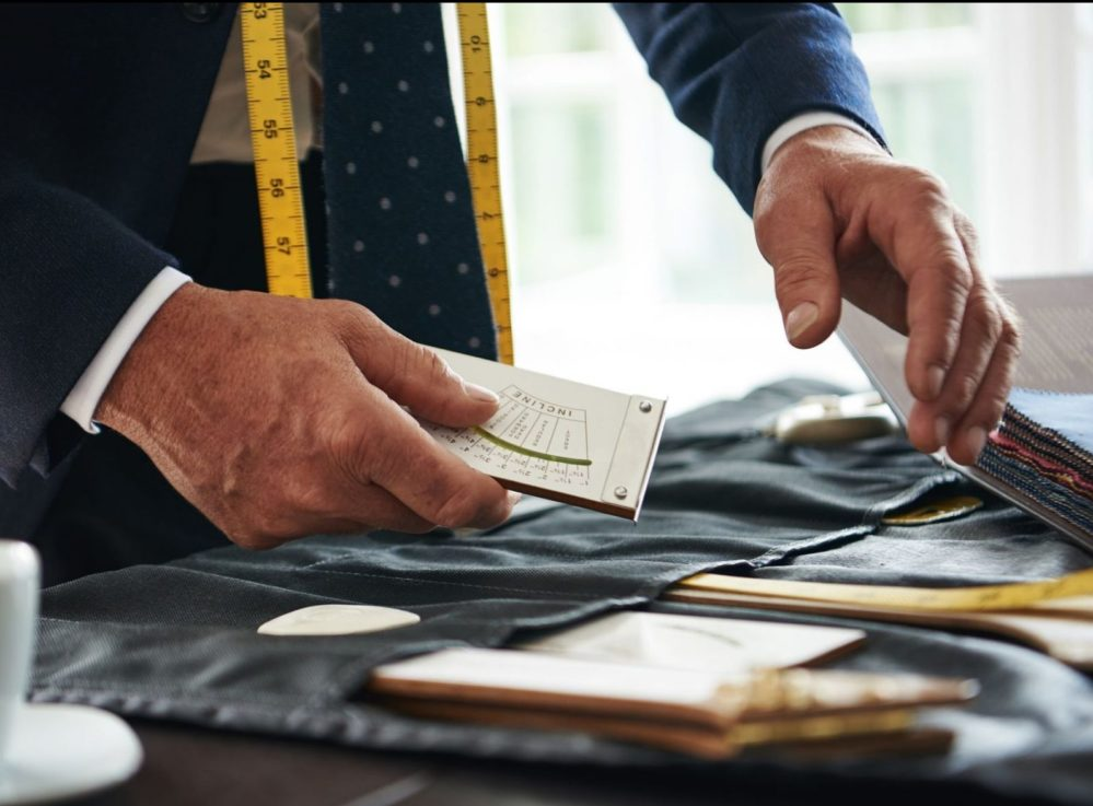 At a Senszio trunk show, you will be advised by personal tailors on the perfect fabrics and styles for your suit
